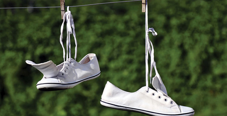 Правильная стирка детских кроссовок